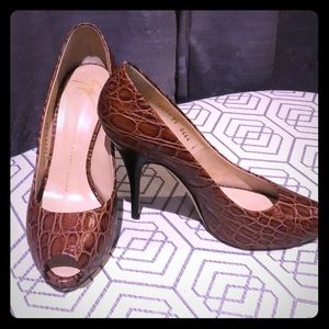Authentic Giuseppe Zanotti Brown /tan/ wood heel.